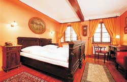 Double with private facilities (bath and shower), and breakfast
