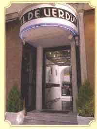 hotel de verdun chambres disponibles. Black Bedroom Furniture Sets. Home Design Ideas