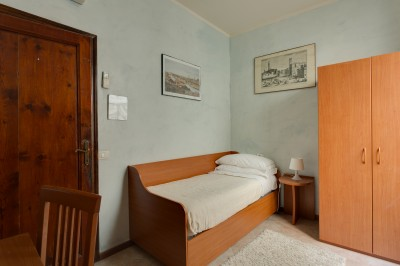 Standard 1 room single with shared facilities