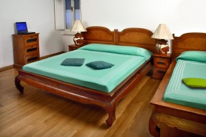 4 person comfort apartment with private facilities (bath and shower)