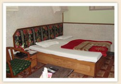 Deluxe double with south view, and private facilities