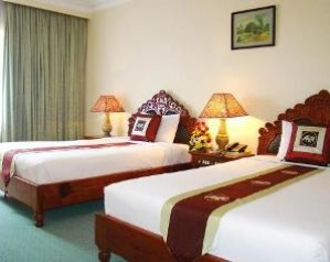 Deluxe double or twin with city view, and private facilities