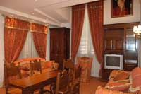 6 person deluxe 2 room apartment with city view, and private facilities