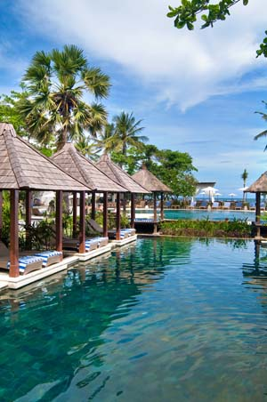 The special feature of this resort is the locationabsolute beachfront,  across the road from Waterbom Bali water park and next to Discovery  Shopping Mall.