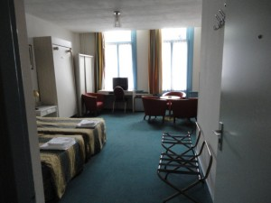 Standard 5 person room with city view, and private facilities
