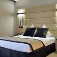 Executive double or twin with private facilities (bath and shower)