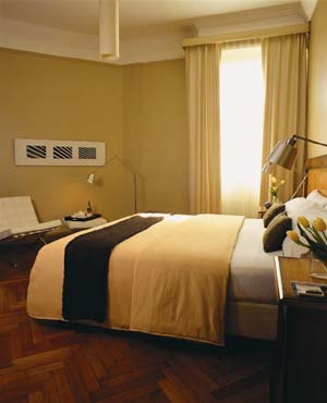 Superior double or twin with city view, queen bed, private facilities (bath and shower), and breakfast