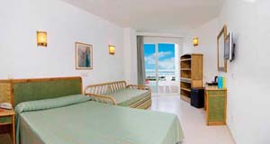 Comfort single with panoramic view, balcony, private facilities, and all inclusive