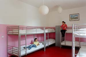 Bed in a 6 person dormitory with private facilities