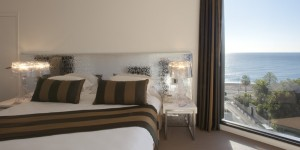 Deluxe double with sea view, and king bed