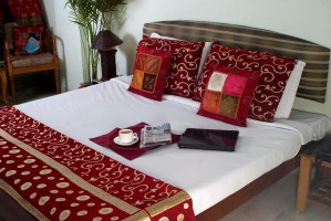 Deluxe double or twin with private facilities (shower), and breakfast