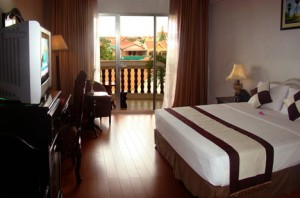 Superior double or twin with city view, balcony, and private facilities (bath and shower)